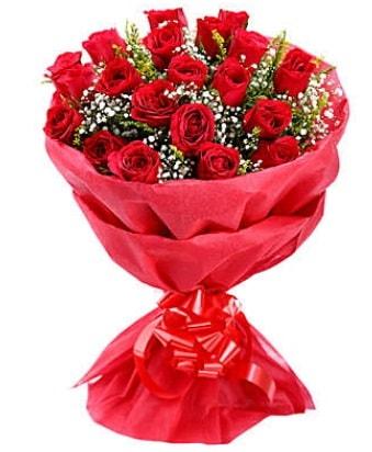 21 adet kırmızı gülden modern buket  Artvin çiçek gönderme