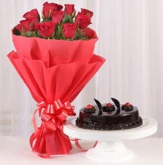 10 Adet kırmızı gül ve 4 kişilik yaş pasta  Artvin internetten çiçek satışı